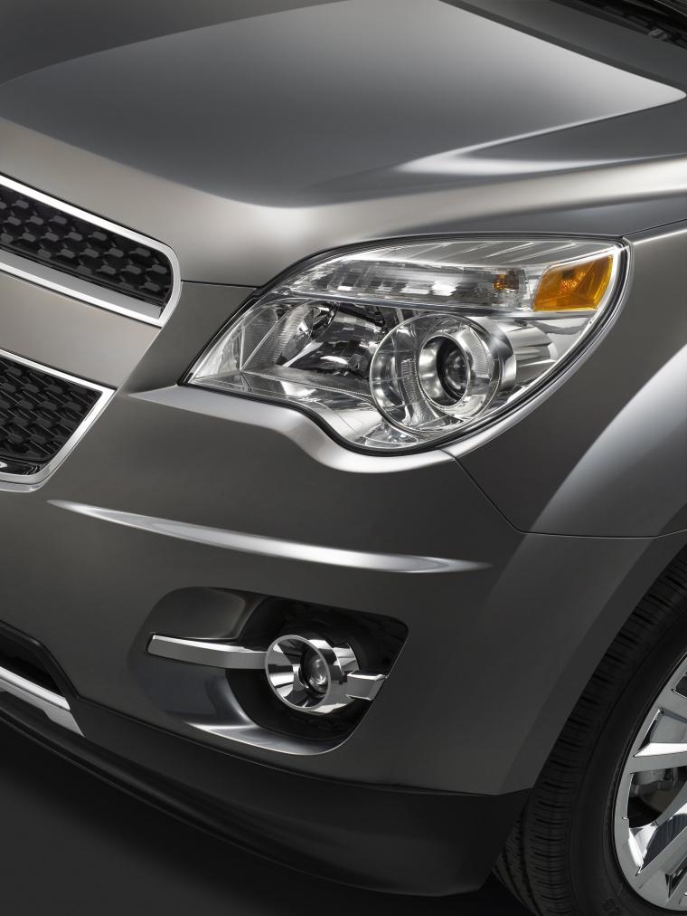 2013 Chevrolet Equinox Headlight Picture