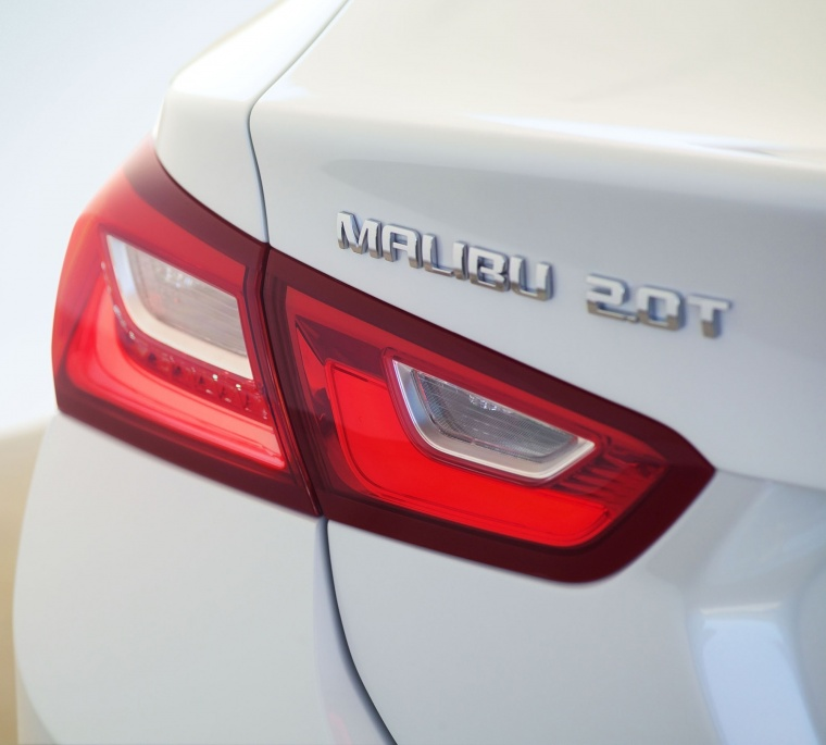 2018 Chevrolet Malibu Premier 2.0T Tail Light Picture