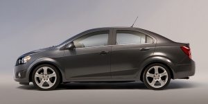 2013 Chevrolet Sonic Reviews / Specs / Pictures / Prices