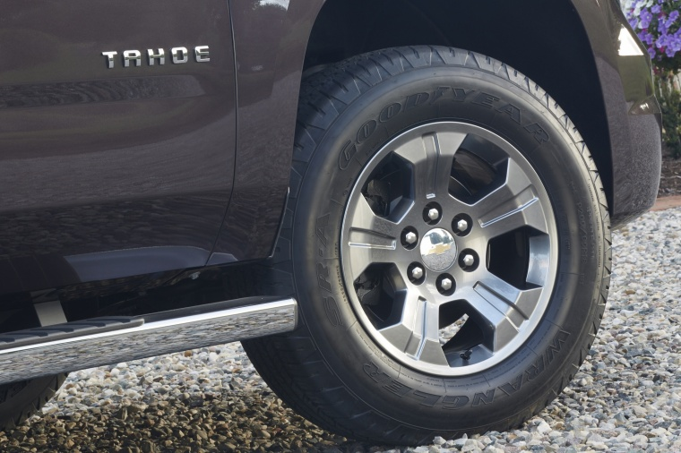2018 Chevrolet Tahoe LT 4WD Z71 Rim Picture