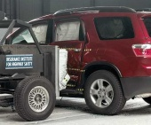 2011 Chevrolet Traverse IIHS Side Impact Crash Test Picture