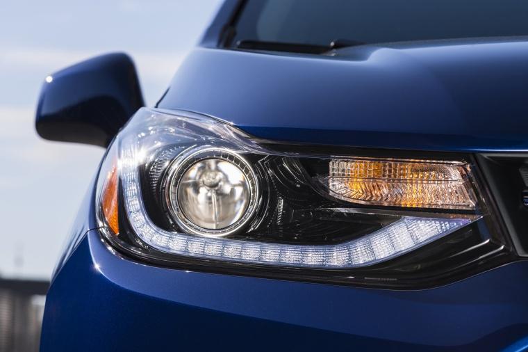 2017 Chevrolet Trax Premier Headlight Picture