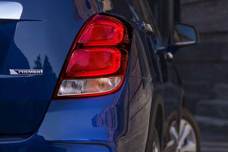 2018 Chevrolet Trax Premier Tail Light Picture