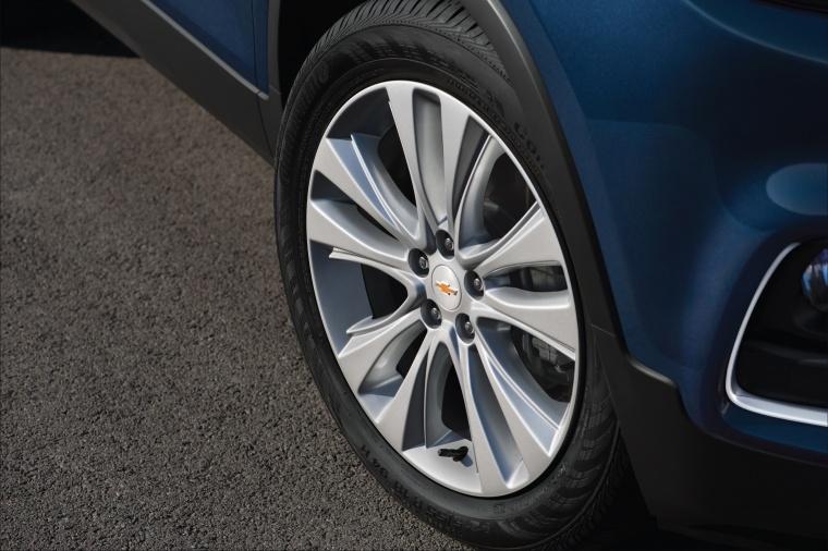 2018 Chevrolet Trax Premier Rim Picture