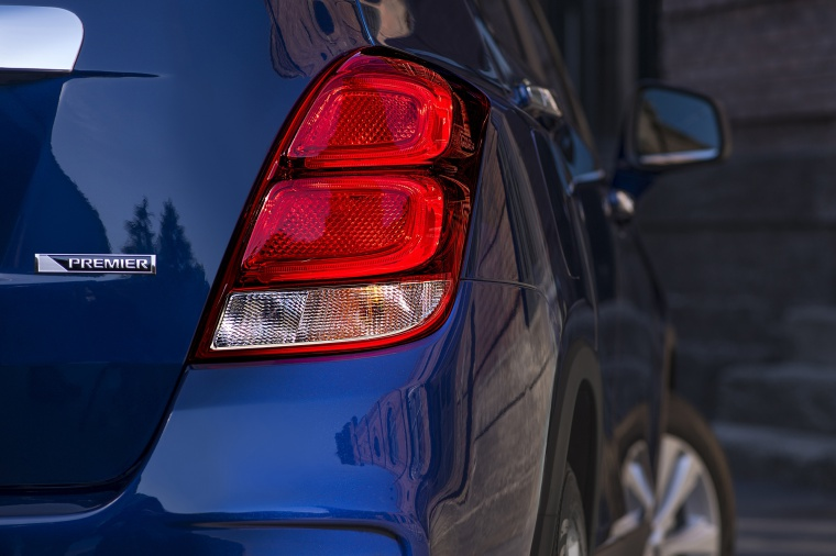 2019 Chevrolet Trax Premier Tail Light Picture