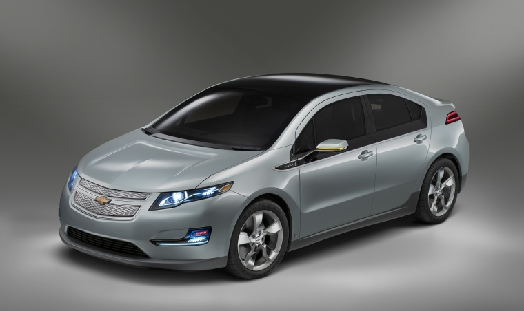 2015 Chevrolet Volt in Silver Topaz Metallic from a front left three-quarter view