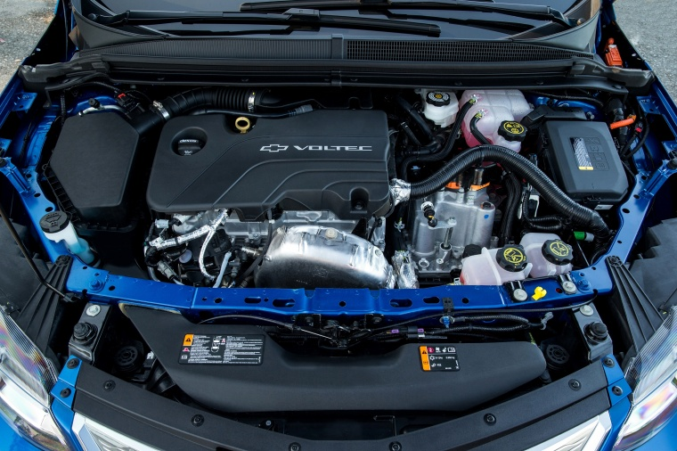 2017 Chevrolet Volt 1.5-liter 4-cylinder Hybrid Engine Picture