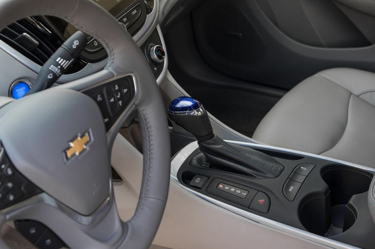 2017 Chevrolet Volt Gear Lever Picture