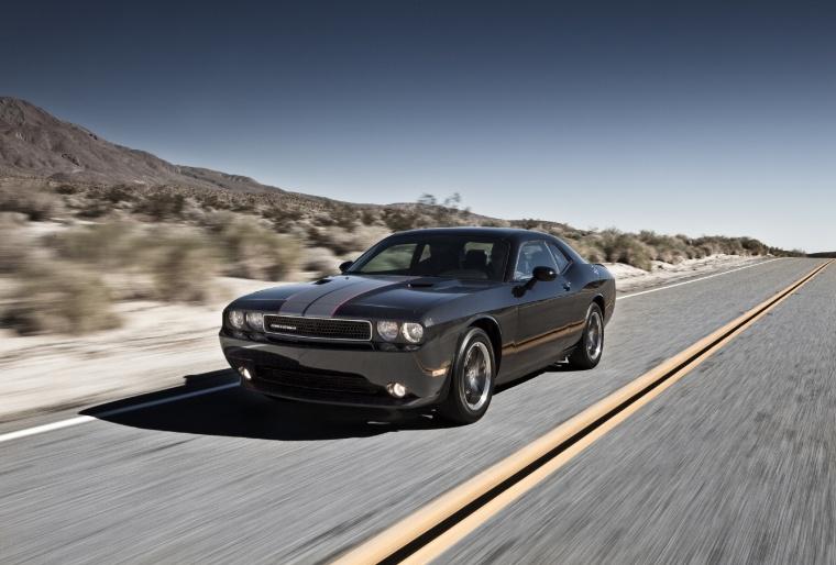2013 dodge challenger sxt black driving 2013 dodge challenger. Cars Review. Best American Auto & Cars Review