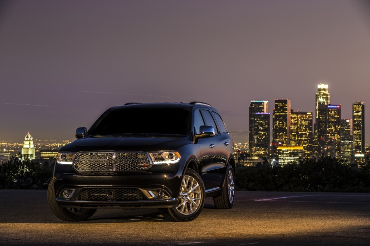 Picture of a 2014 Dodge Durango Citadel in Brilliant Black Crystal Pearlcoat from a front left perspective