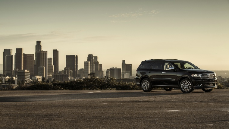 Picture of a 2017 Dodge Durango Citadel in Brilliant Black Crystal Pearlcoat from a front right three-quarter perspective