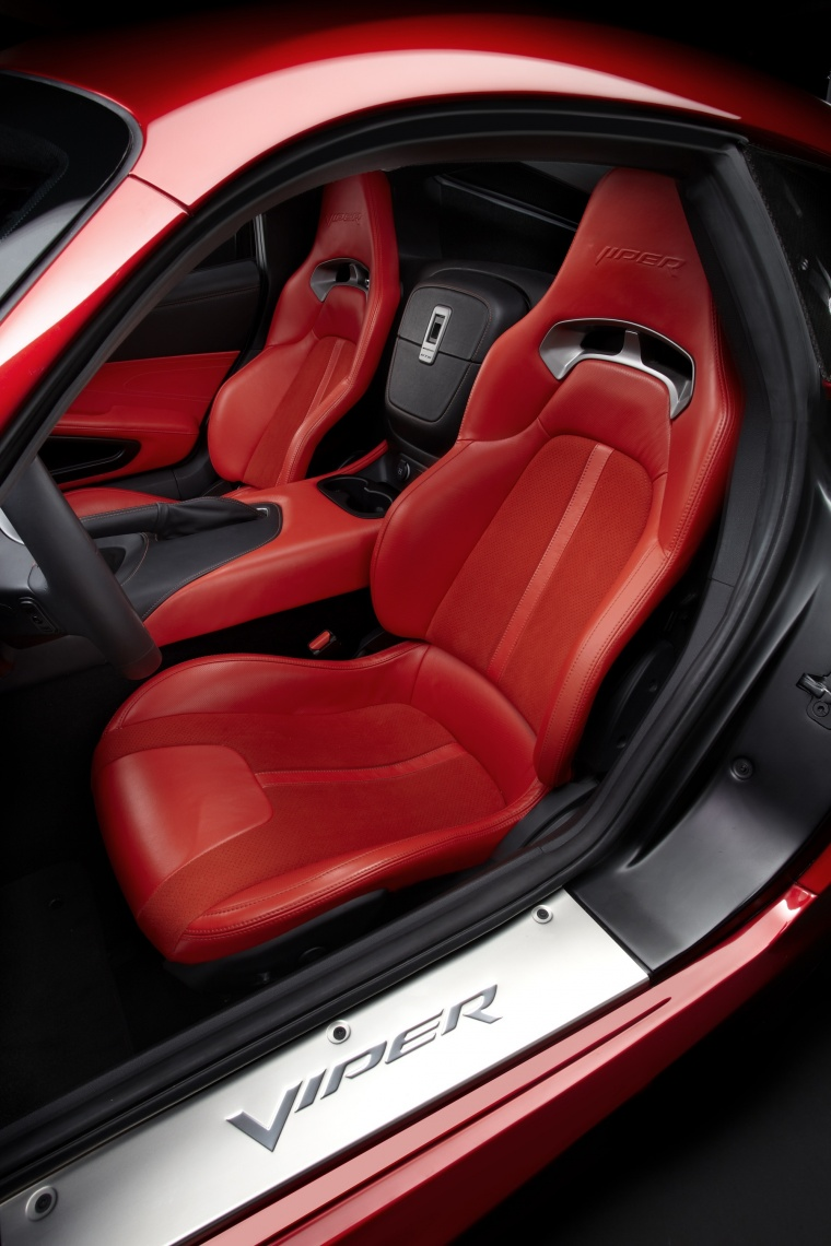 2017 Dodge Viper GTS Front Seats Picture