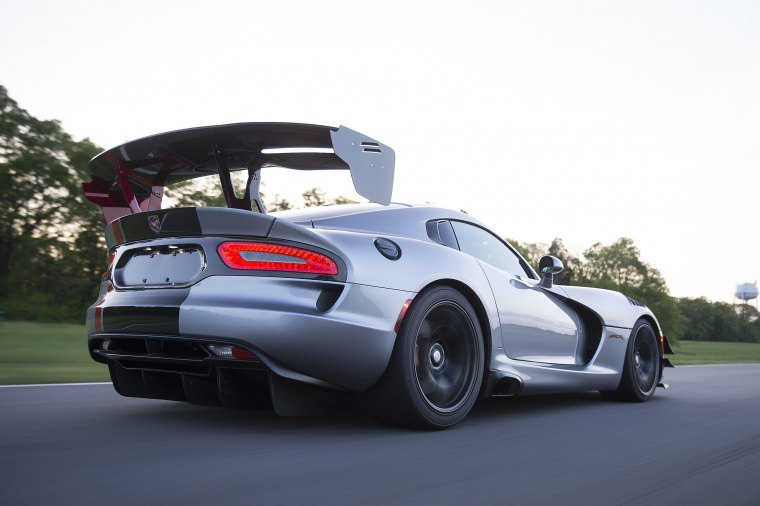 2017 Dodge Viper ACR Picture