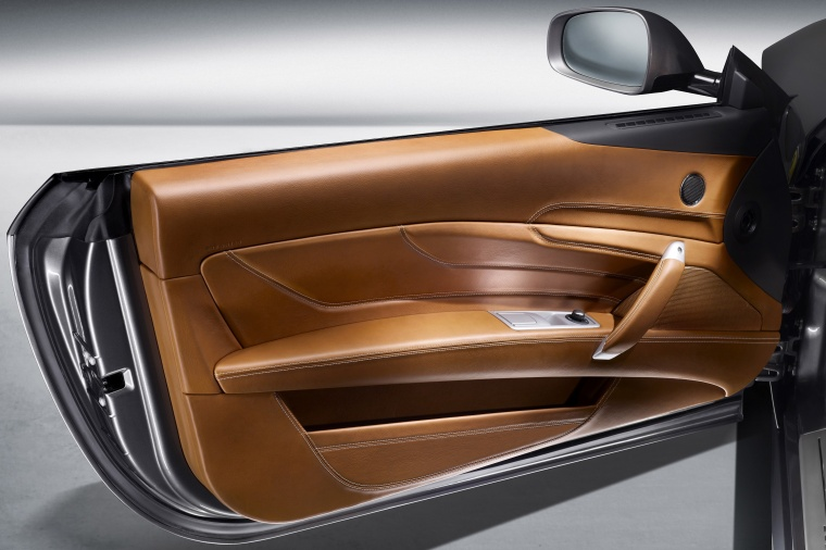 2012 Ferrari FF Coupe Door Panel Picture