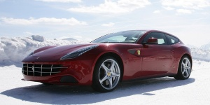 2012 Ferrari FF Reviews / Specs / Pictures / Prices