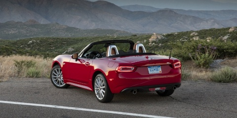 2017 Fiat 124 Spider Classica, Lusso, Abarth Review