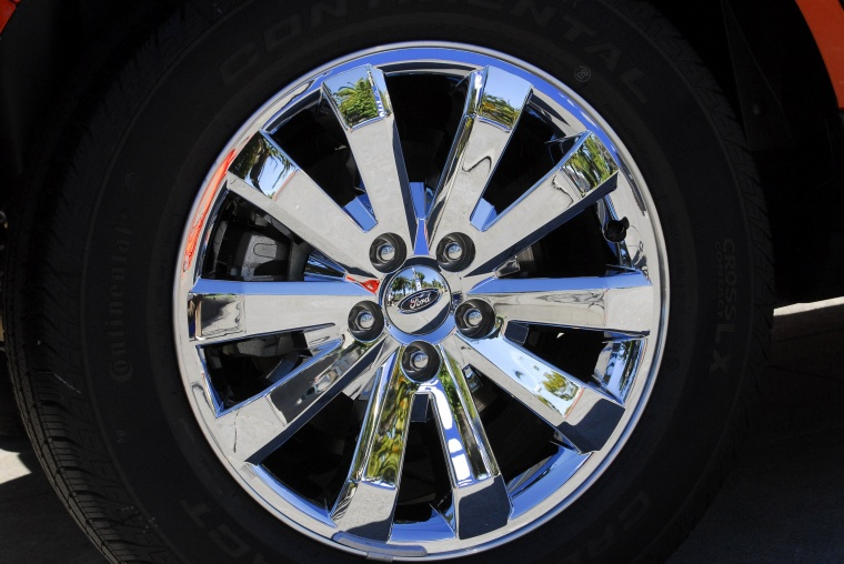 2010 Ford Edge Rim Picture