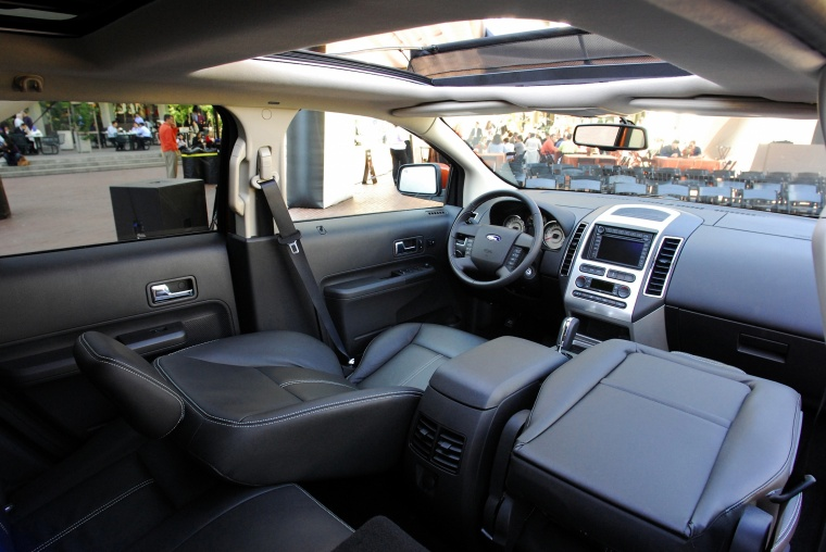 2010 Ford Edge Interior Picture