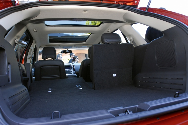 2010 Ford Edge Trunk Picture