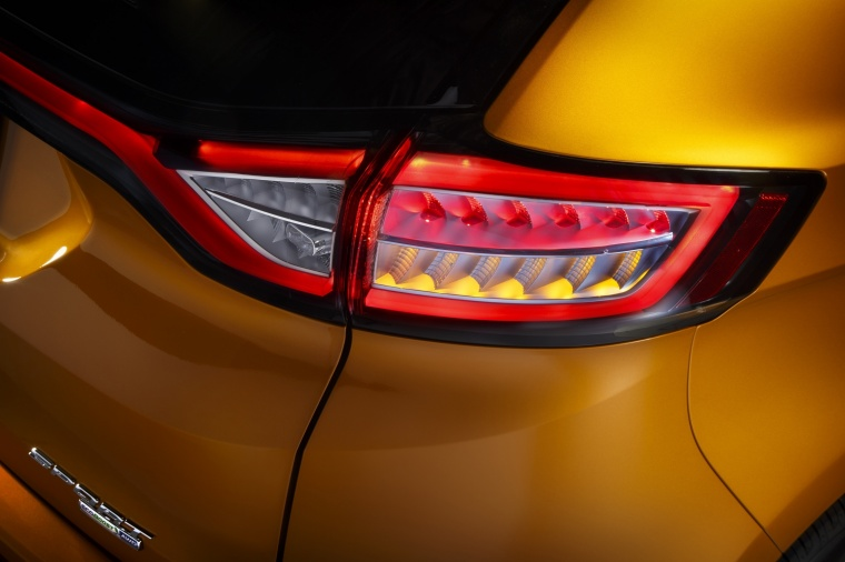 2018 Ford Edge Sport Tail Light Picture