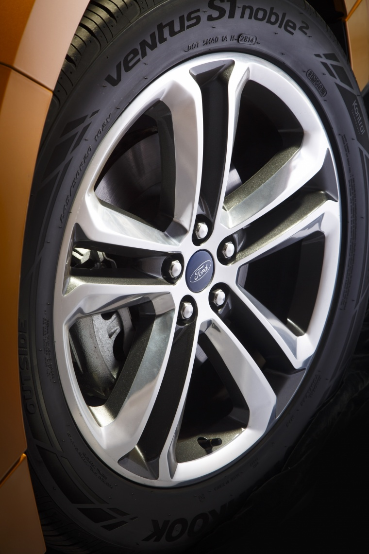 2018 Ford Edge Sport Rim Picture