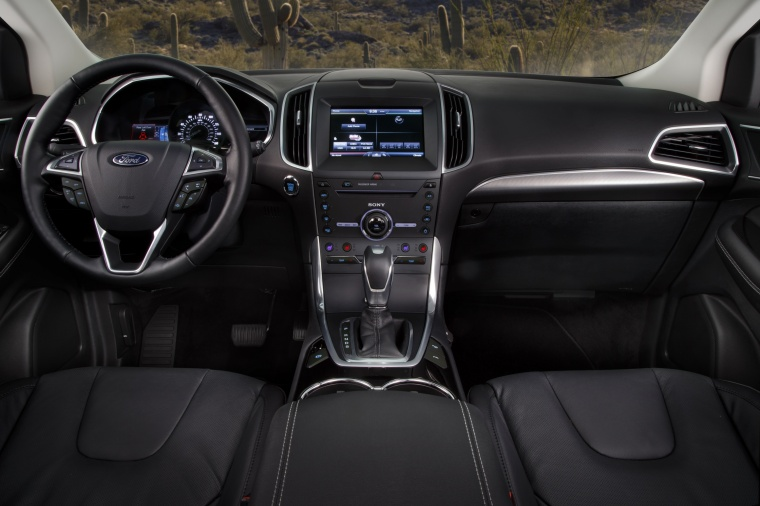 2018 Ford Edge Titanium Cockpit Picture