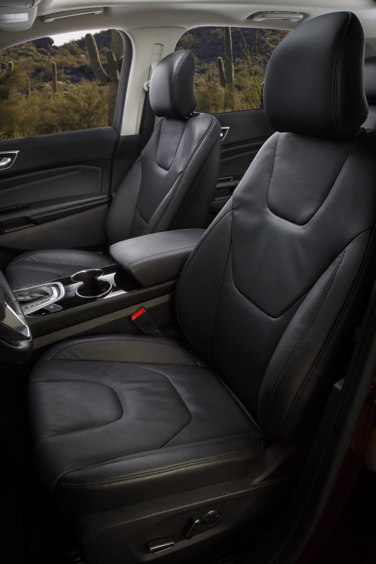 2018 Ford Edge Titanium Front Seats Picture