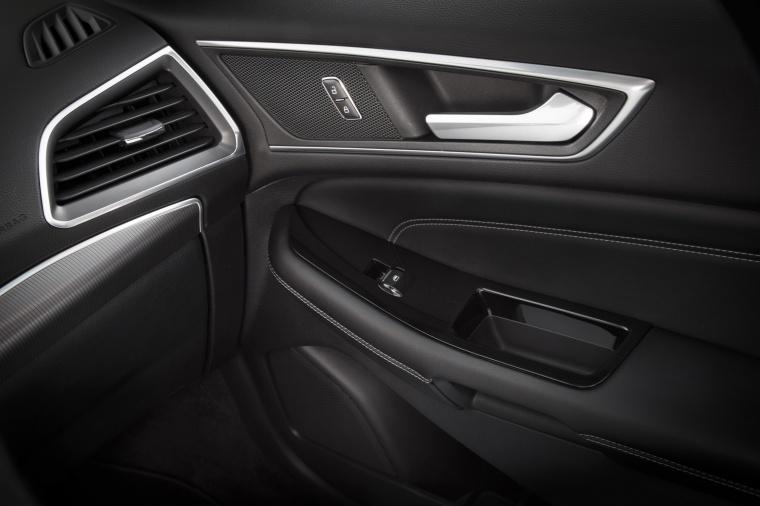 2018 Ford Edge Titanium Door Panel Picture