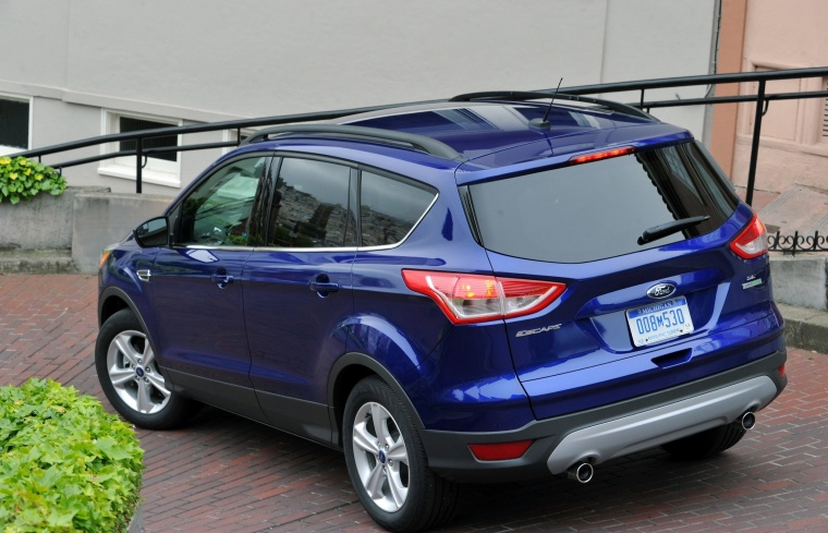 2015 ford escape se in deep impact blue color static rear left three quarter view picture. Black Bedroom Furniture Sets. Home Design Ideas