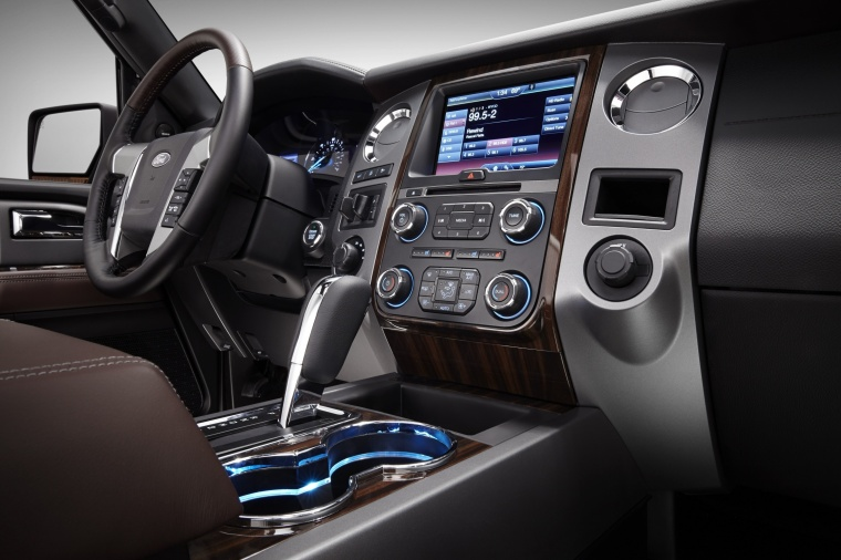 Picture of a 2017 Ford Expedition Platinum's Center Stack