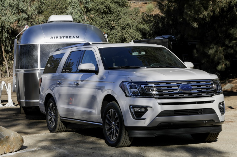 2019 Ford Expedition Max Limited in Oxford White from a front right three-quarter view