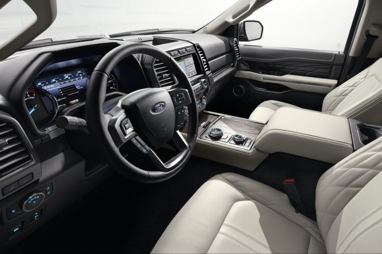 Picture of a 2019 Ford Expedition's Front Seats