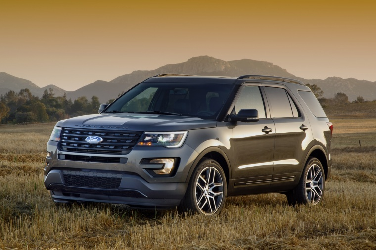 2016 Ford Explorer Sport 4wd In Magnetic Metallic From A Front Left Three Quarter View