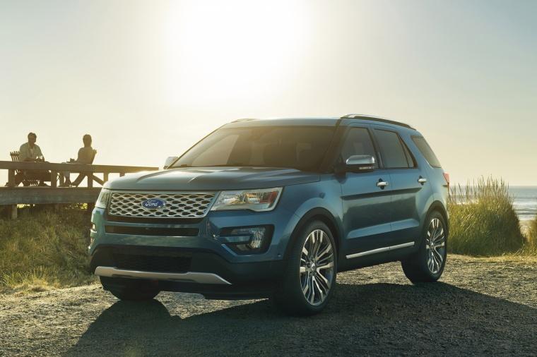 2017 Ford Explorer Platinum 4WD Picture