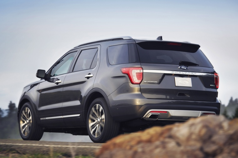 2017 Ford Explorer Platinum 4WD Picture