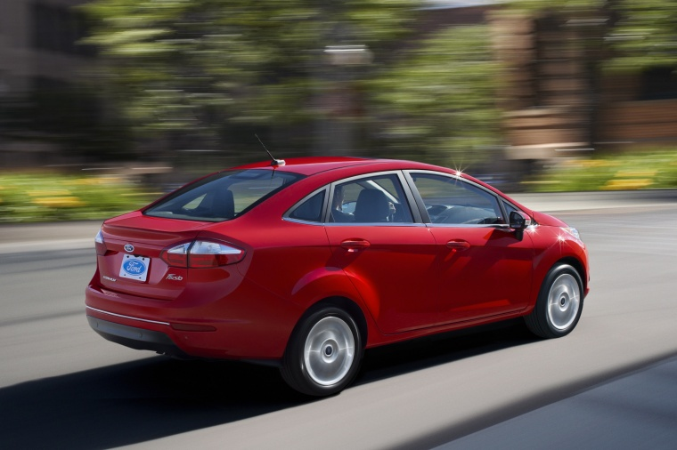 2014 Ford Fiesta Sedan Titanium Picture
