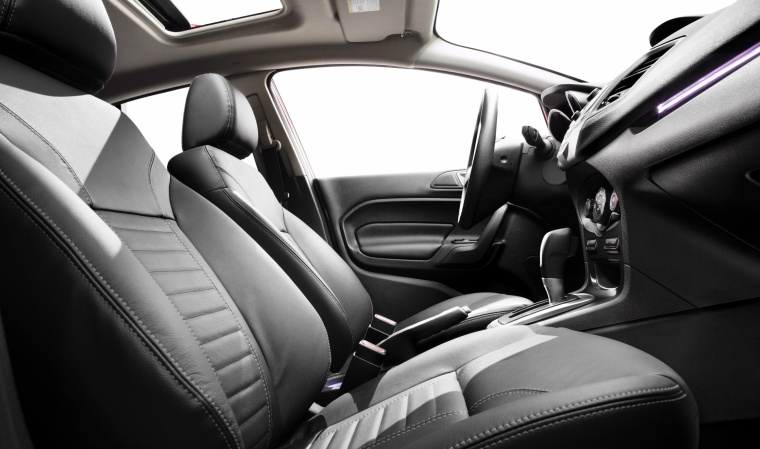 2015 Ford Fiesta Sedan Titanium Front Seats