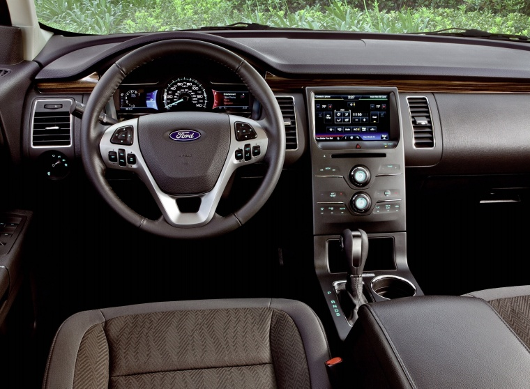 2017 Ford Flex SEL Cockpit Picture