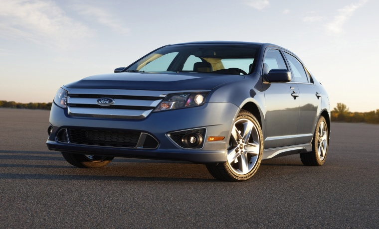 2010 Ford Fusion Sport in Sport Blue Metallic from a front left three-quarter view