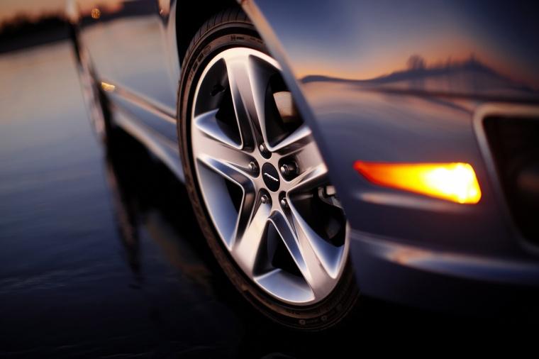 2011 Ford Fusion Sport Rim Picture