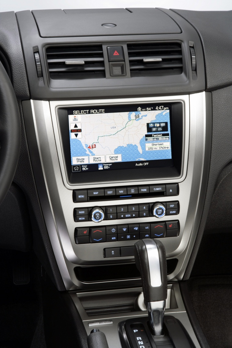 2011 Ford Fusion Hybrid Center Stack Picture