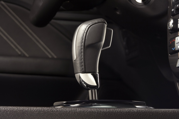 2011 Ford Fusion Hybrid Gear Lever Picture