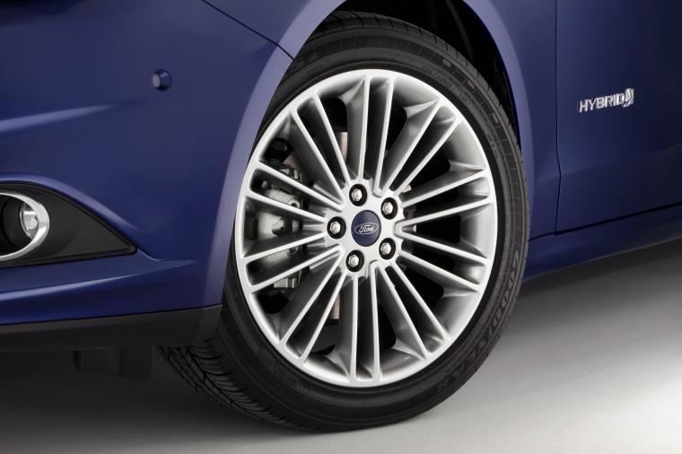 2014 Ford Fusion Hybrid SE Rim Picture