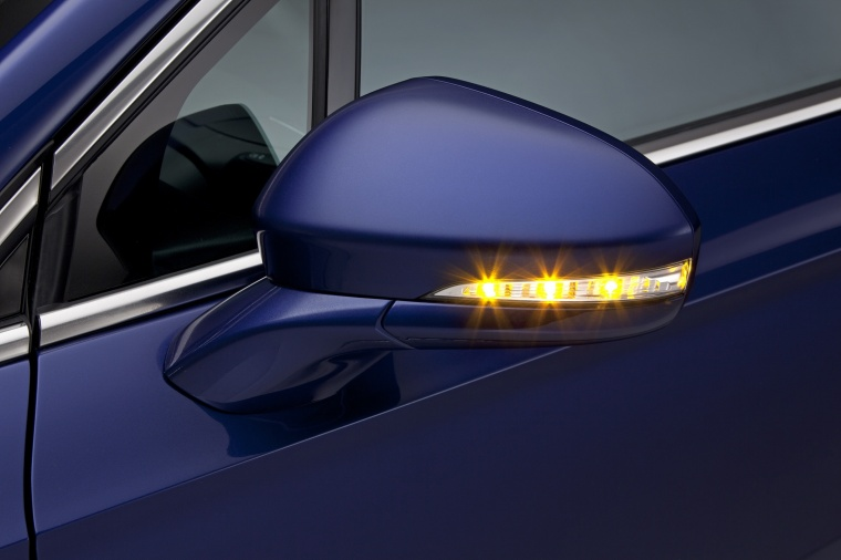 2014 Ford Fusion Hybrid SE Door Mirror Picture
