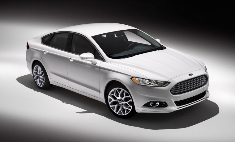 2015 Ford Fusion Titanium AWD in Oxford White from a front right three-quarter top view