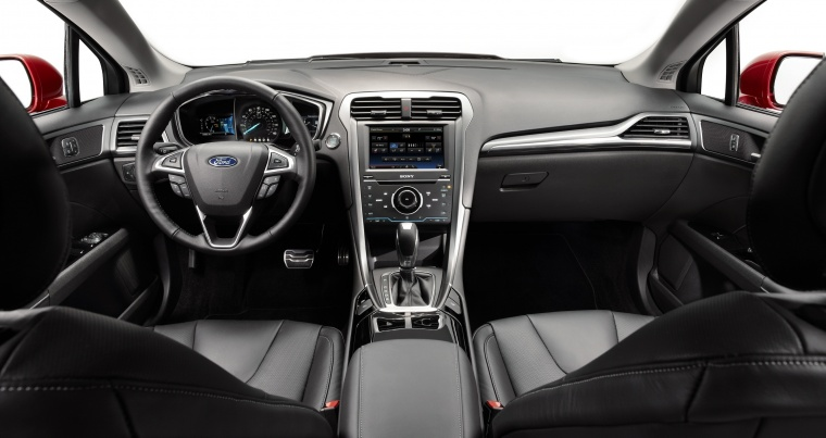 2015 Ford Fusion Titanium AWD Cockpit Picture