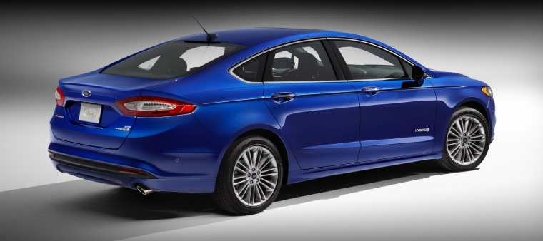 2015 Ford Fusion Hybrid SE Picture