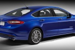 2015 Ford Fusion Hybrid SE in Deep Impact Blue - Static Rear Right Three-quarter View