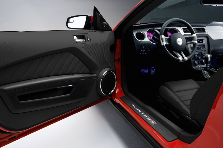 2011 Ford Mustang GT Coupe Interior Picture