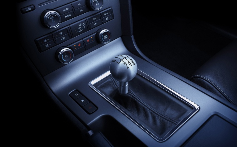 2011 Ford Mustang Gear Lever Picture
